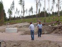 Urakoitsija ja kaupungin edustaja toteavat, että vaihe 1 Graniittikatu valmistuu ja siirrytään vaihe 2 eli Maasälpäkadun rakentamiseen. Syyskuussa 2014 pääse rakentamaan omakotitaloja.